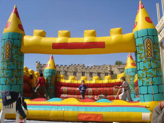 Location-château-géant-médiévale marseille aubagne