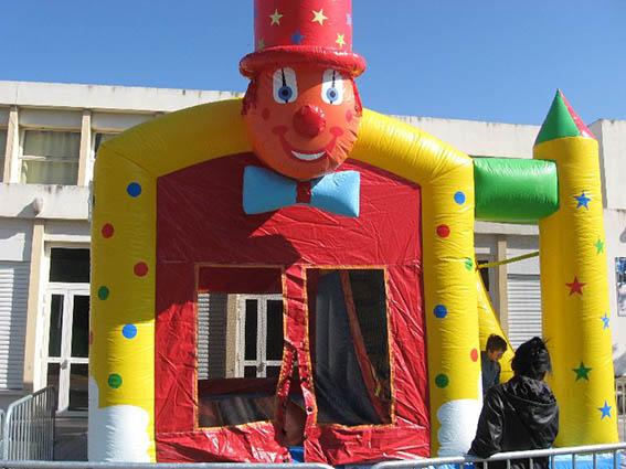 Location Structure gonflable le clown toboggan Marseille Aubagne