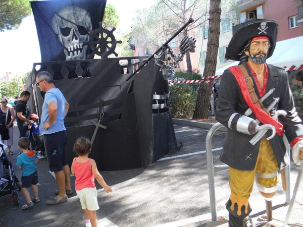Location Décoration pirate, Location décor pirate , Location déco pirate pas chere , Animation Pirate , Coffre Pirate , Statue Pirate, décoration bateau Pirate, Décor Bateaux Pirate,