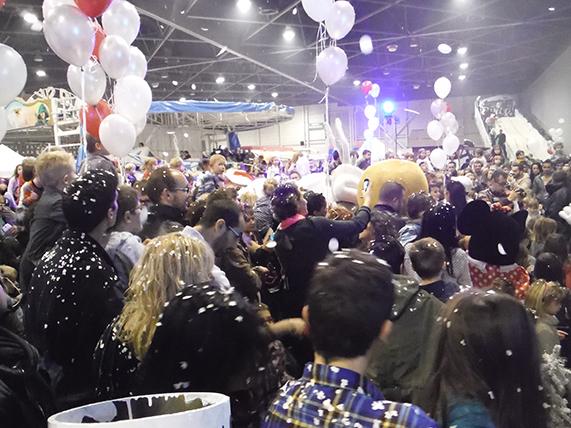 ballons confettis canon décoration arbre de noël marseille aix aubagne bouches du rhone paca