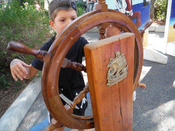 Location Décoration pirate, Location décor pirate , Location déco pirate pas chere , Animation Pirate , Coffre Pirate , Statue Pirate, décoration bateau Pirate, Décor Bateaux Pirate,