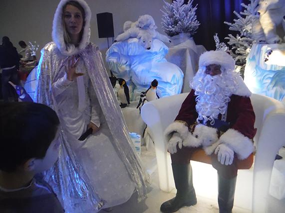 Père noël arbre de noël blanc décors noël blanc marseille aix aubagne bouches du rhone paca